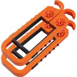 skibat orange et noir avec flocon.